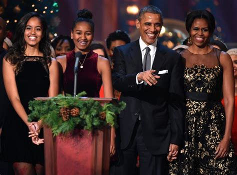 obama family 67 photos of the obamas that will warm your make you cry the wow report