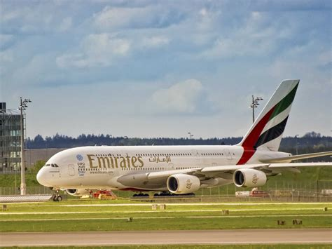 emirates a380 emirates and airbus discuss new a380 superjumbo order