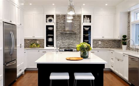 houzz white kitchens kitchen transitional with dark wood 欧式小户型开放式厨房装修效果图 土巴兔装修效果图