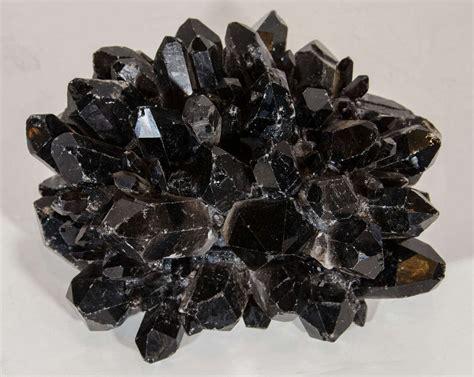 exquisite and black quartz decorative box at