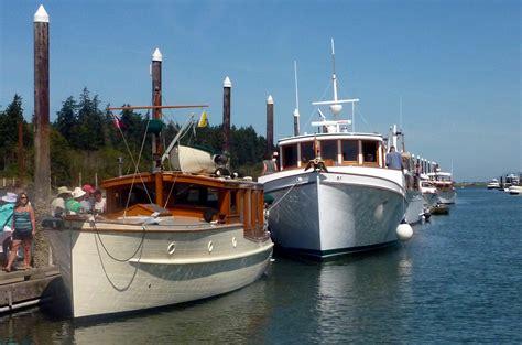 dream lover boat and breakfast la conner classic boat car show
