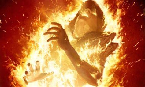 Orang Adalah Neraka 10 gambaran azab neraka jahanam yang sangat menakutkan