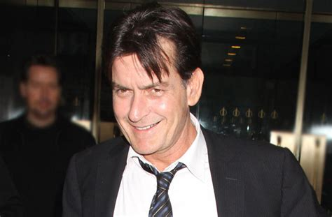 Osbourne Says Family Member Is Hiv Positive by Sheen Hiv Positive Actor Still A Hit With The