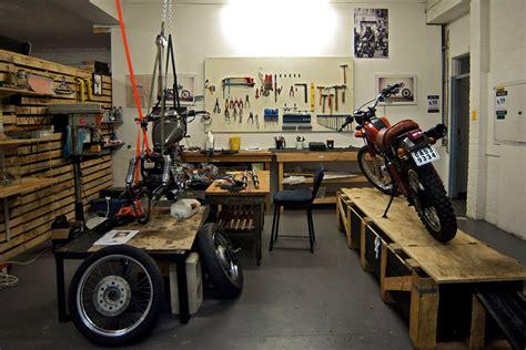 Motorrad Scheinwerfer Shop by Motorcycle Workspace Interior Design M 搜尋