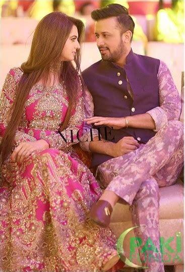 atif aslam wife atif aslam and wife sara bharwana at zara shaheen s mehndi