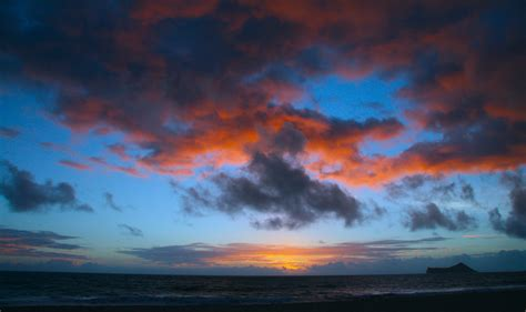 wallpaper awan senja gambar pantai lautan horison matahari terbit