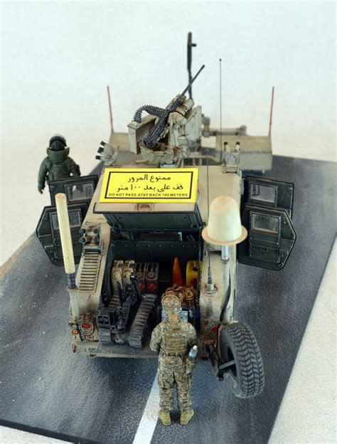 Humm3r Husky 1 m1114 humvee with mine rollers 1 35 scale model diorama armoured vehicles modern era