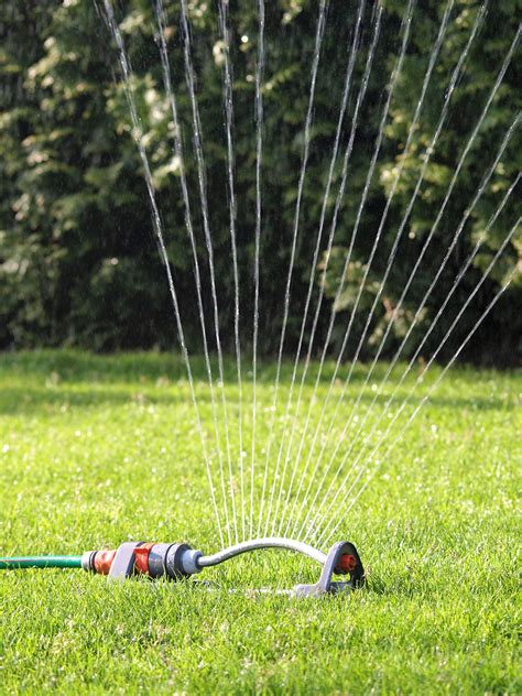 best lawn sprinklers best lawn sprinklers lawn sprinklers for low water