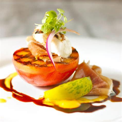 grilled peaches with burrata and prosciutto   daisy's world