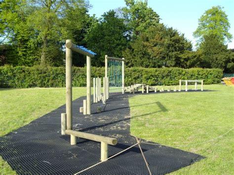 Playground Safety Mats Uk by Rubber Grass Mats And Ring Mats Grassmats Ltd
