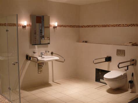 Behindertengerechtes Badezimmer Planen by Behindertengerechtes Bad Planen Raum Und M 246 Beldesign