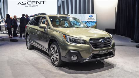 subaru outback 2018 vs 2017 2018 subaru outback are the changes necessary theautoweek