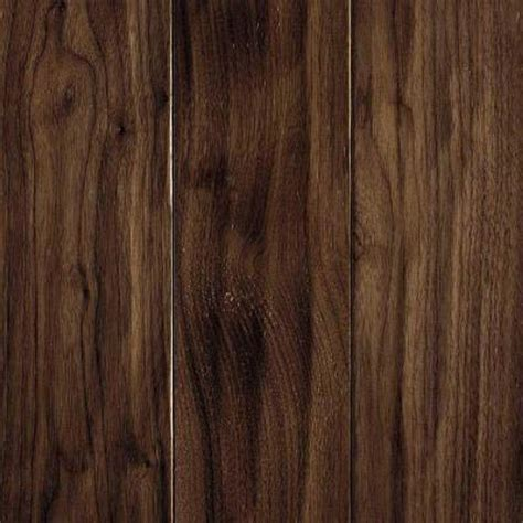 mohawk take home sle carvers creek natural walnut engineered hardwood flooring 5 in x 7