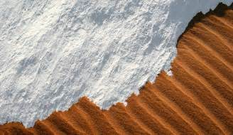 sahara desert snow snow in the sahara the world s hottest desert gets