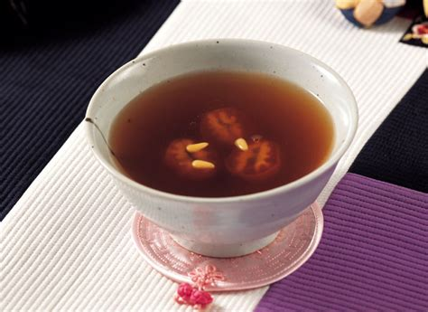sujeonggwa cinnamon ginger punch with persimmon traditional drinks keep you healthy in winter korea net