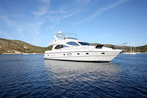 yacht goa celebrate party on yacht charter in goa boat goa