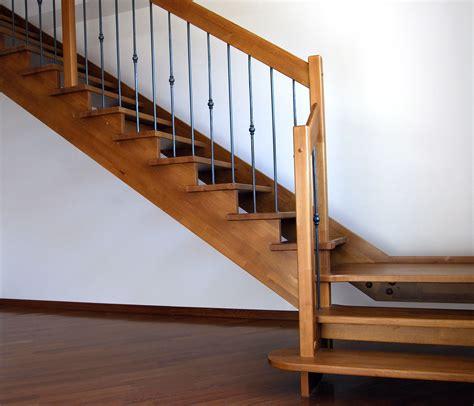 scale in legno per interni scale classiche realizzazione scale per interni roma