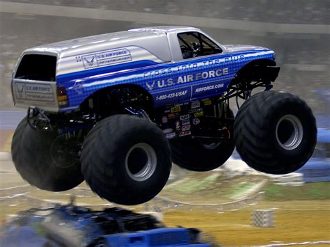 videos of monster truck monster truck challenge free download