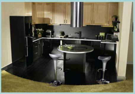 Attrayant Cuisine Ouverte Sur Salon Petite Surface #1: plan-cuisine-en-U-avec-ilot-de-cuisson1-456x316.png