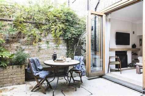 Outdoor Kitchens By Design by Stylish Scandy Style Garden Apartment In Chelsea