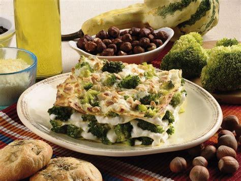 cucinare i broccoli verdi ricetta lasagne verdi con i broccoli donna moderna