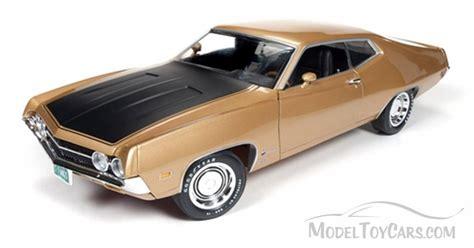 Auto World Ford Torino Cobra 1970 Gold 1 18 1970 ford torino cobra gold auto world ertl 1 18 scale diecast model car