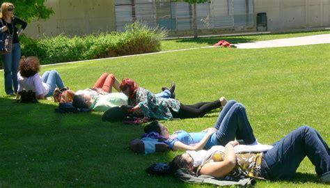 la siesta de proponen eliminar el periodo de siesta en espa 241 a elcalce