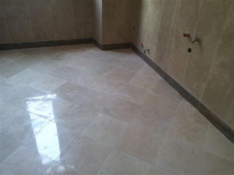 bagno in marmo travertino progetto piastrellista idee ristrutturazione casa