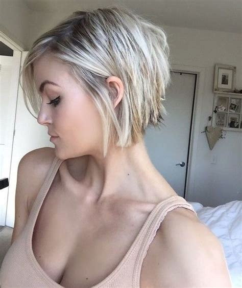 short and blonde thats what i need haircut and color 25 best ideas about mom haircuts on pinterest medium