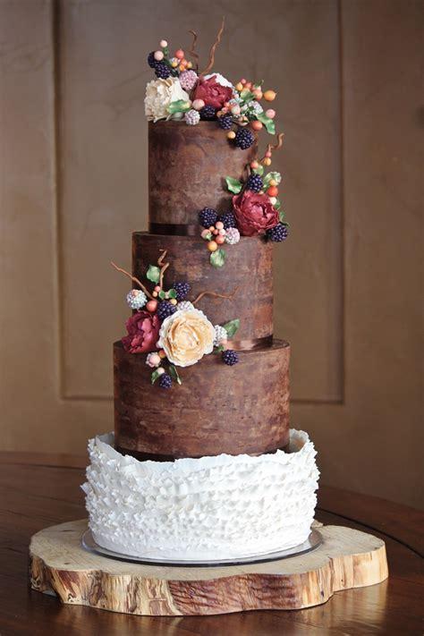 Hochzeitstorte Und Cupcakes by Rustic And Organic Wedding Cake With Chocolate Ganache