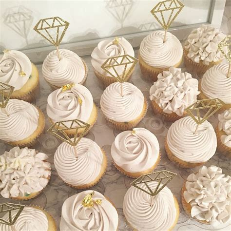 Bridal Cupcakes by 25 Best Ideas About Engagement Cupcakes On