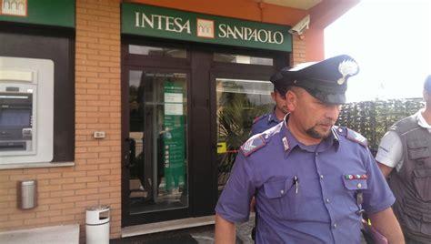 banca anagni ferentino rapina alla banca intesa di boville frosinone italia