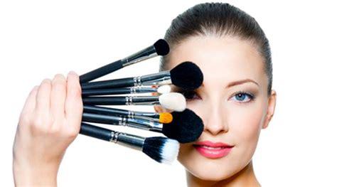 Kuas Eyeshadow Eyelash Brush 759 N420 use talcum powder as make up hack the indian express