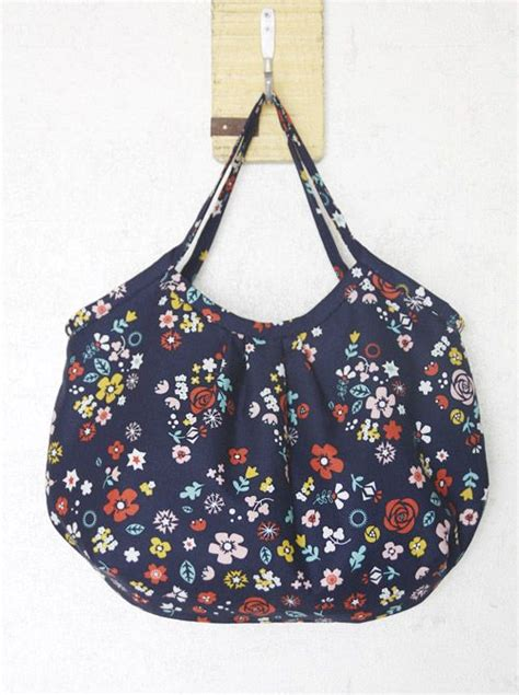 tas tote bag reversible reversible hobo tote bag how to sew diy picture tutorial