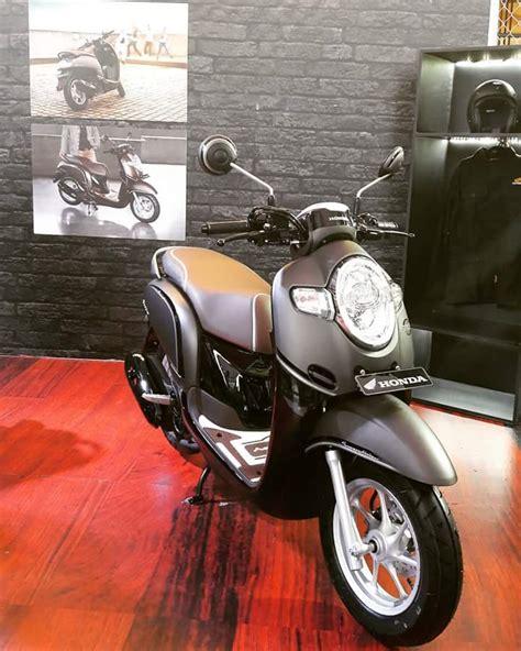 Stylish Black All New Scoopy Gry Honda Motor Otr Semarang all new honda scoopy hadir tawarkan fitur canggih dan lebih stylish dengan harga rp 17 8 juta