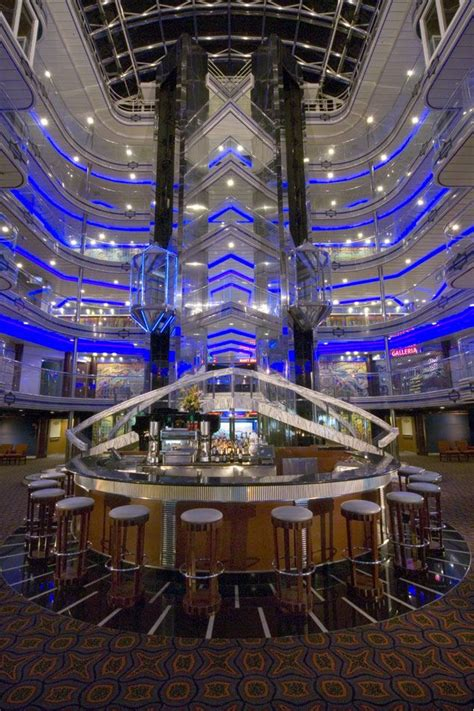 pictures cruise ships carvinal fantancy carnival fantasy
