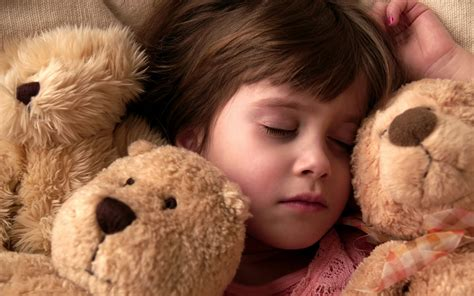 Sleeping Girl Wallpapers And Images Wallpapers Pictures Photos