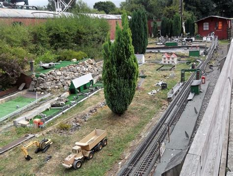 G Scale Garden Railway Layouts Castle Hedingham Pictures Traveller Photos Of Castle Hedingham Essex Tripadvisor