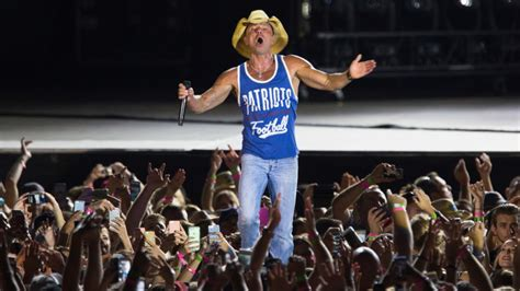 Kenny Chesney Denies He Had An Affair With by Live Album Captures Kenny Chesney S Affair With