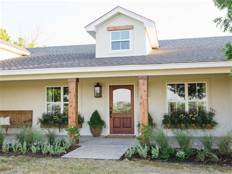 hgtv photo gallery photos hgtv s fixer upper with chip and joanna gaines hgtv