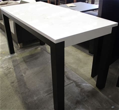 White Breakfast Bar Table Breakfast Bar Table Ultra White Gloss Top Black Base Auction 0154 9000596 Graysonline
