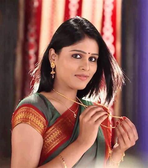 tuzyat jeev rangala cast akshaya deodhar marathi actress photos bio wiki anjali