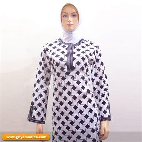 Atasan Muslimah Katun Motif Ac495 baju muslim atasan bahan katun madina griya busana muslim busana muslim baju muslim