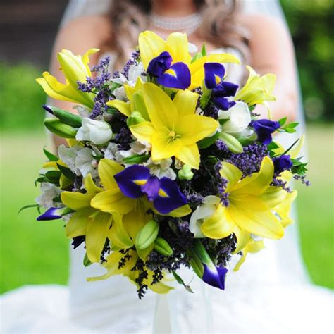 Wedding Bouquet Etiquette by 34 Best Flowers Iris Images On