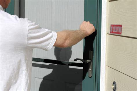 door to door businesses still going door to door promoting your business try