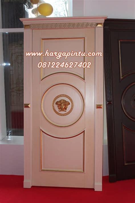 desain pintu rumah klasik gambar pintu single ukir