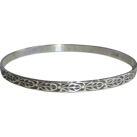 leaf pattern bracelet danecraft sterling embossed leaf pattern bangle bracelet