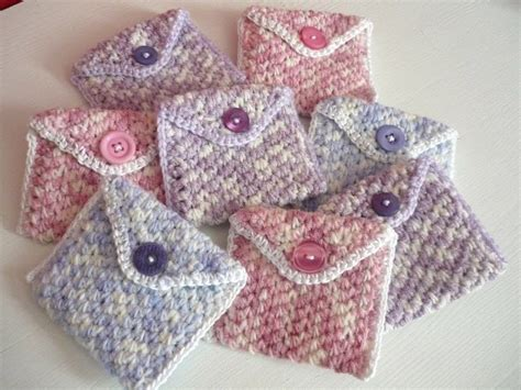 adding yarn to knitting project easy coin purse 183 how to stitch a knit or crochet pouch