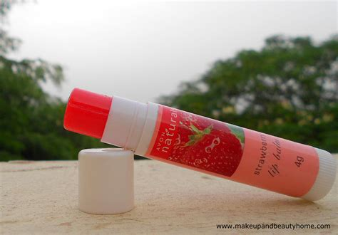 Nature Lip Balm Strawberry avon naturals strawberry lip balm review and swatches