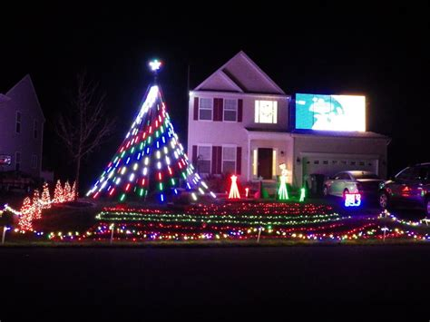 north east home offers spectacular christmas light show